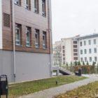 """Na tym zdjęciu widać dokładnie, w którym miejscu znajduje się nowy oddział – po przeciwnej stronie ulicy Skłodowskiej można zobaczyć budynki tzw. Śniadecji, które są zlokalizowane tuż obok """"krwiodawstwa""""."""